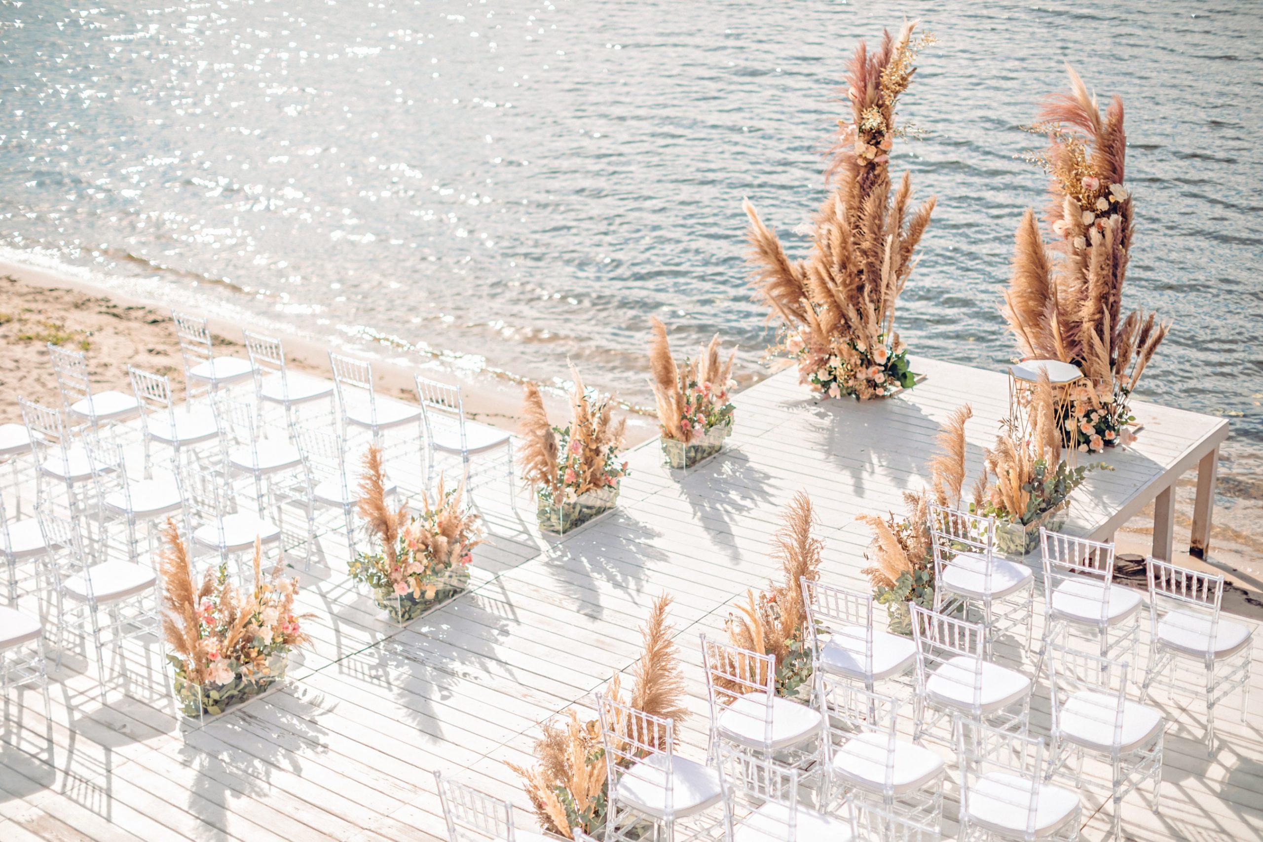 Décoration de cérémonie de mariage sur la plage